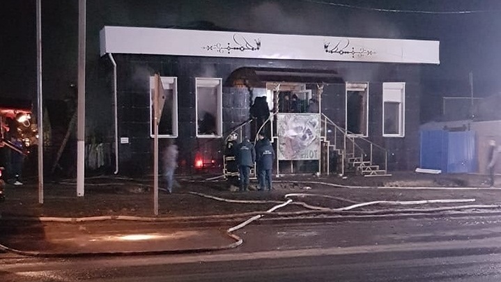 В Урюпинске из-за проблем с проводкой загорелась кальянная