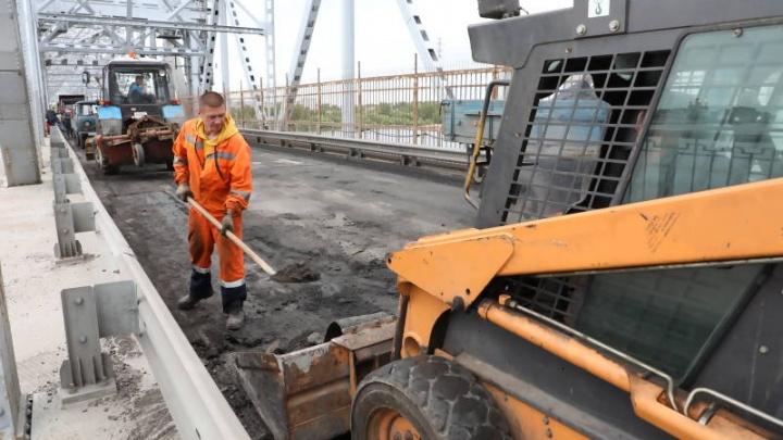В Архангельске досрочно открыли для движения автомобилей железнодорожный мост