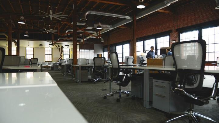 Для начальника, персонала и посетителей: как сделать офис максимально комфортным с помощью мебели