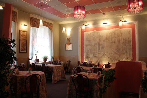 Два месяца назад из-за коронавируса омские рестораторы Семикины выставили на продажу и сеть«Суши БамБуши»