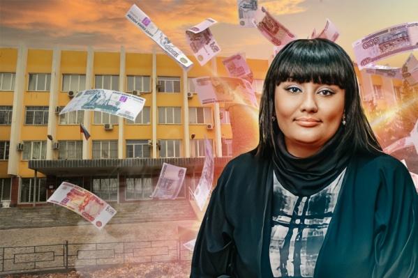 Голос на «улетевшей» в Сеть записи приписывают экс-председателю Дзержинского районного суда Юлии Добрыниной