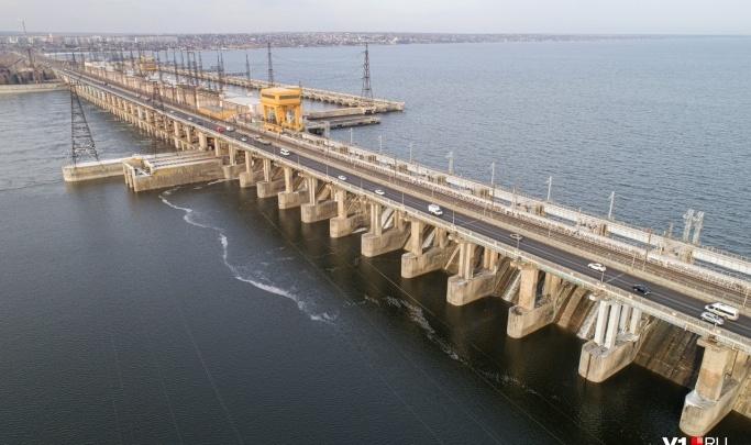 На Волжской ГЭС уменьшили паводковые сбросы