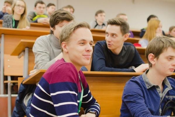 Осуществить качественную подготовку старшеклассников для успешной сдачи экзаменов позволяет физико-математическая школа
