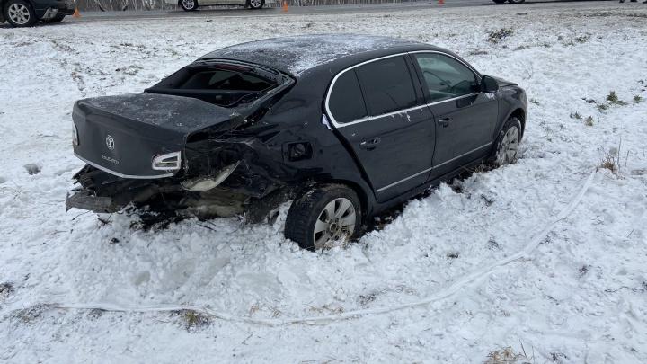 В метель под Челябинском в лобовом ДТП пострадали трое детей