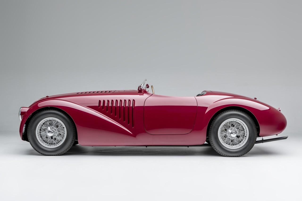 Ferrari 125 S — первая модель итальянской фирмы с двигателем V12