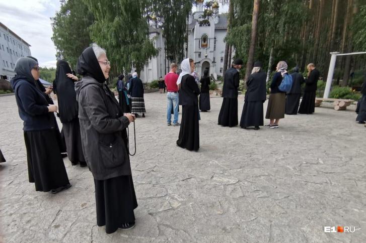 Митрополит Кирилл, по словам Сергия, уже несколько лет не появляется в монастыре