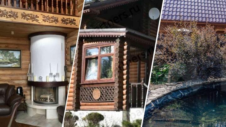 Под Екатеринбургом выставили на продажу участок с деревянным теремом и собственным водоемом