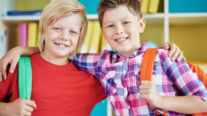 Школьники Югры отправятся на учебу с новыми смарт-часами и «большими» смартфонами