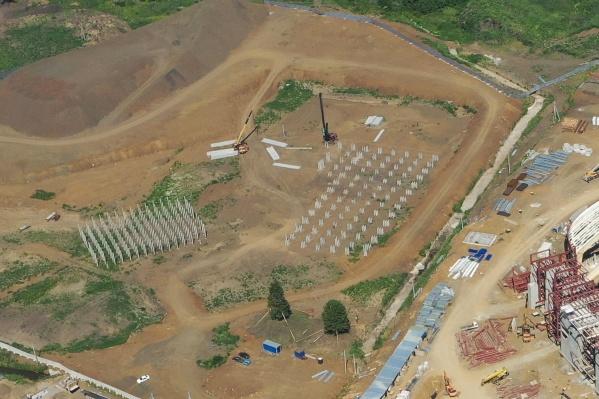 Так выглядит с высоты площадка, где строят «Кузбасс-Арену»