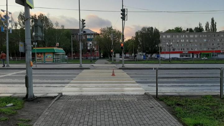 В Самаре водитель иномарки сбил двух человек на пешеходном переходе