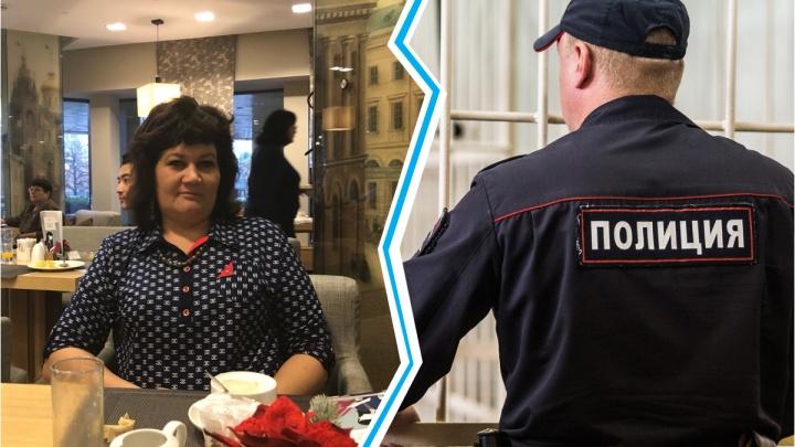 В Новосибирске правозащитница почти сутки просидела в полиции — она подвезла парней, пытавшихся украсть колеса