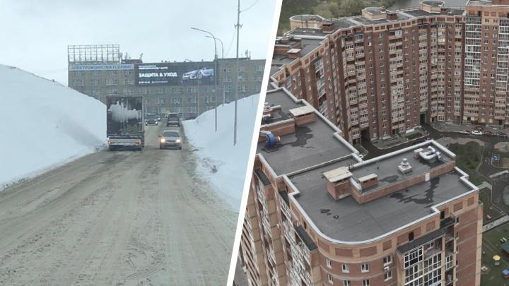 На Горском из-за нечищеной дороги буксуют грузовики — местные жители не могут попасть домой