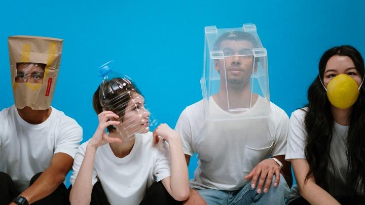Надо соблюдать меры предосторожности до 11 мая и носить маски: где найти недорогие