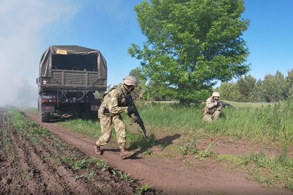 Личный состав уничтожил боевиков, когда автомобиль подъехал к месту засады