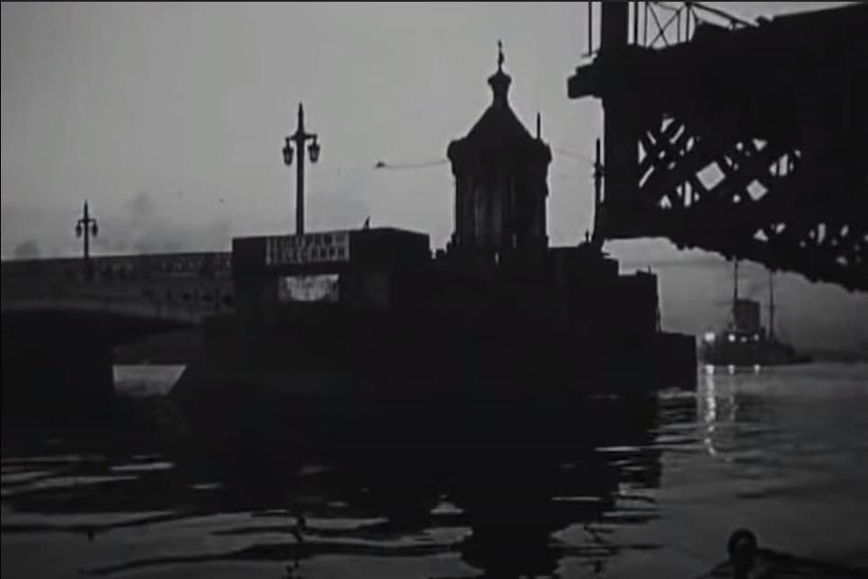 Горизонтальный разводной пролет моста