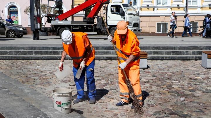 Администрация Нижнего Новгорода объяснила, почему дорожники собрались убирать летом снег