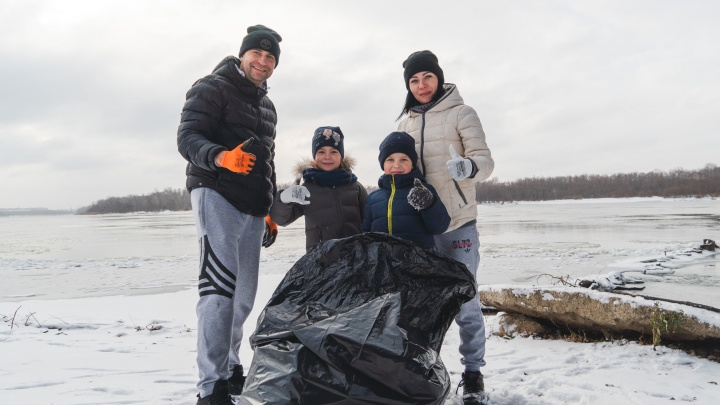 Омский банкир своими руками собрал тонну мусора