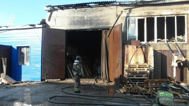 В Ленинском районе сгорело офисное здание