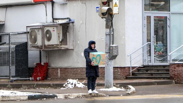 Застывший город: фоторепортаж с пустынных улиц Нижнего Новгорода в полной изоляции