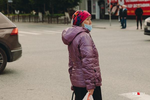 Пожилых людей отправили на самоизоляцию с 28 марта