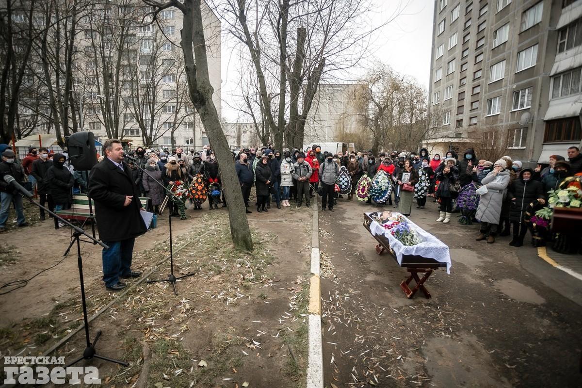 Похороны Романа Решецкого.«Брестская газета»