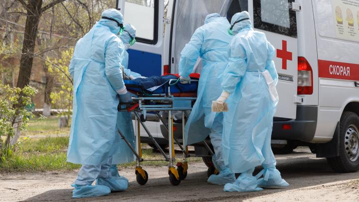 Все скорые Волгограда перебросили на больных с COVID-19: хроники коронавируса в регионе