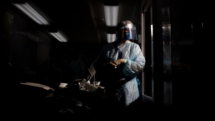 Полторы тысячи заболевших и ещё одна смерть. Как Челябинск борется с COVID-19 — в режиме онлайн