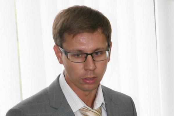 Дмитрий считает, что переломить тенденцию за год-два не получится