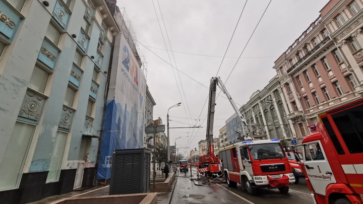 Перекрытия в доме Сариевых рухнули после ночного пожара