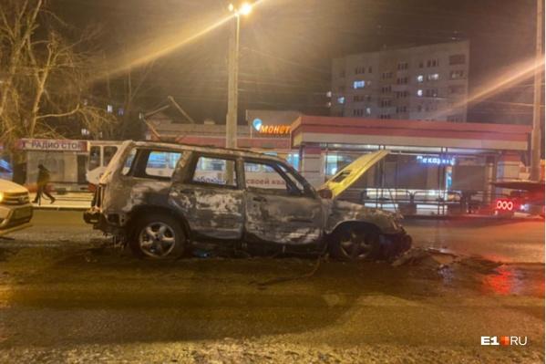 Subaru Forester сгорел дотла