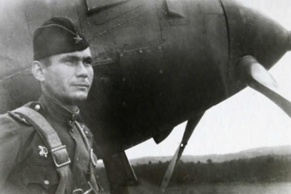 Боец и его верная машина — частый сюжет снимков военного времени