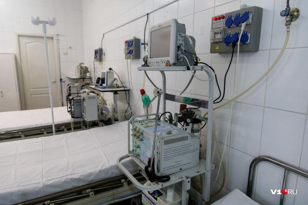 В Кузбассе развернуто 4805 коек для лечения пациентов с коронавирусом и внебольничной пневмонией