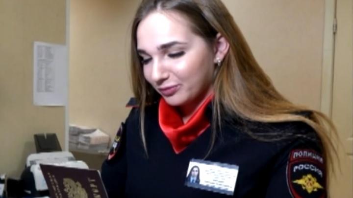 Рассказали о службе и поздравили с 8 Марта: свердловские сотрудницы МВД участвуют во всероссийской акции
