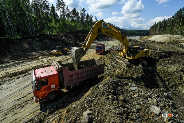 Дорожники рассказали о ходе строительства нового участка ЕКАД