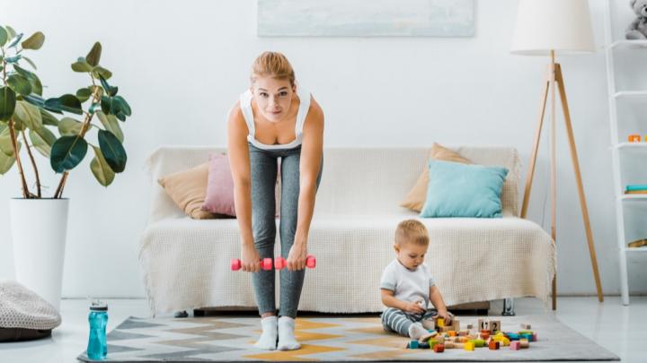 Фитнес-самоизоляция: что делают дома те, кто не может расстаться со спортом