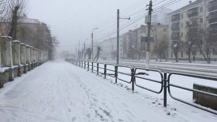 «Ситуация непростая»: губернатор Зауралья рассказал, как в регионе устраняют последствия метели