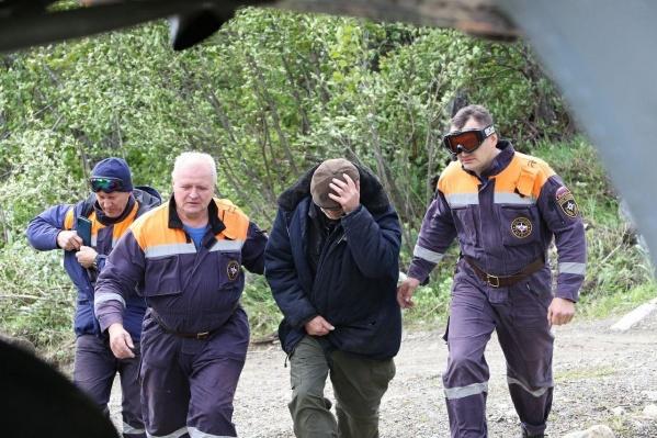 Охотника удалось вывести на третий день операции