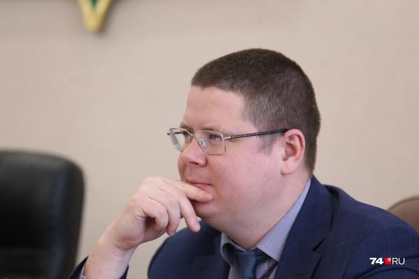 Мазок на COVID-19 у Анатолия Векшина взяли сразу, как стало известно о заражении его коллег