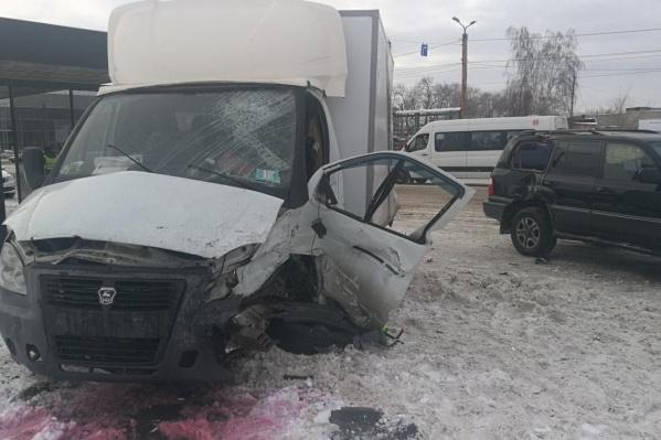 ДТП с пострадавшими случилось 28 декабря на проспекте Ленина