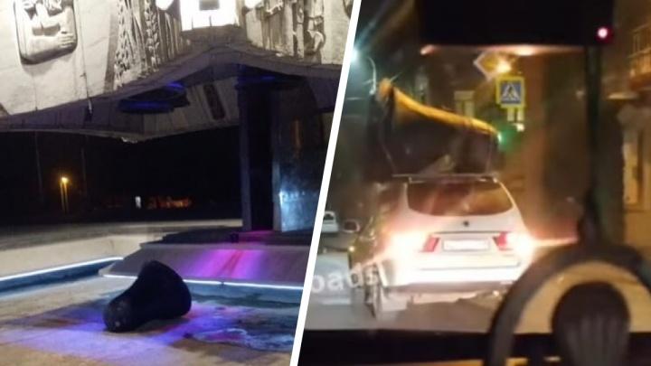 Полиция проверит, кто и куда увез колокол со стелы «Освободителям Ростова»