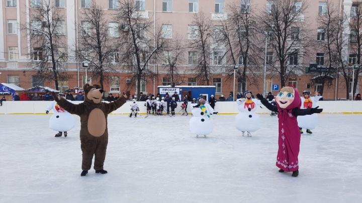 Власти Зауралья рассказали, где можно покататься на коньках и лыжах
