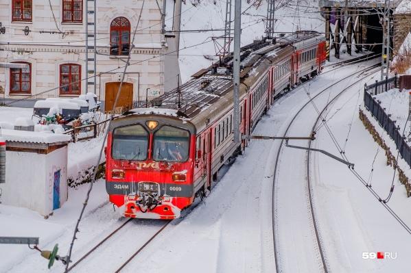 Некоторые поезда начнут отправляться с конечных станций раньше