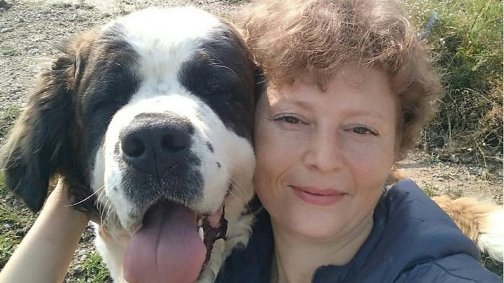 Жительница Красноярска уволилась с престижной работы ради любимого дела и помощи животным-инвалидам