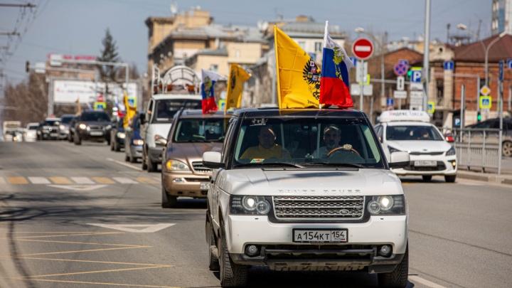 Крестный ход на машинах и полицейские у храмов: как проходит Пасха в Новосибирске
