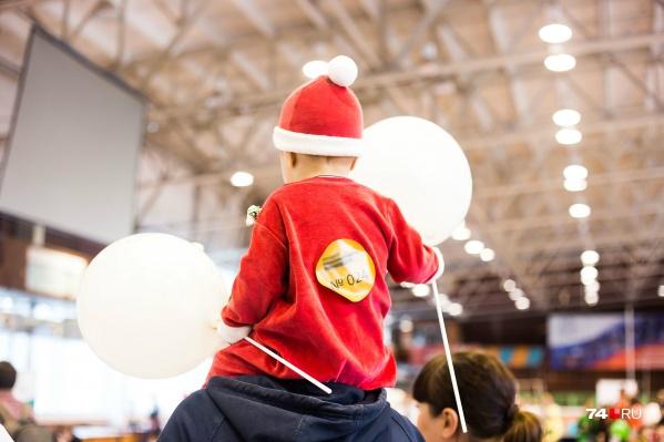 Многие семьи планируют потратить полученные деньги на подарки для детей