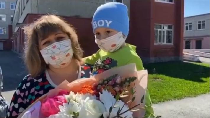Куйвашев показал видео с двухлетним мальчиком, который полностью излечился от коронавируса