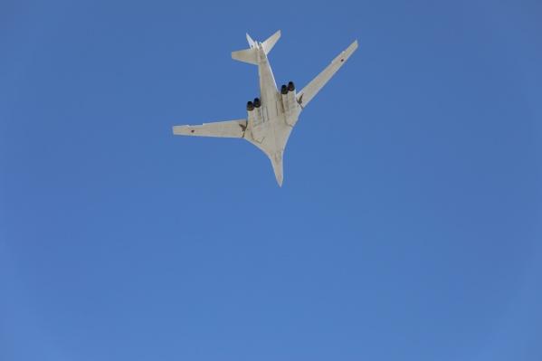 Момент пролета Ту-160