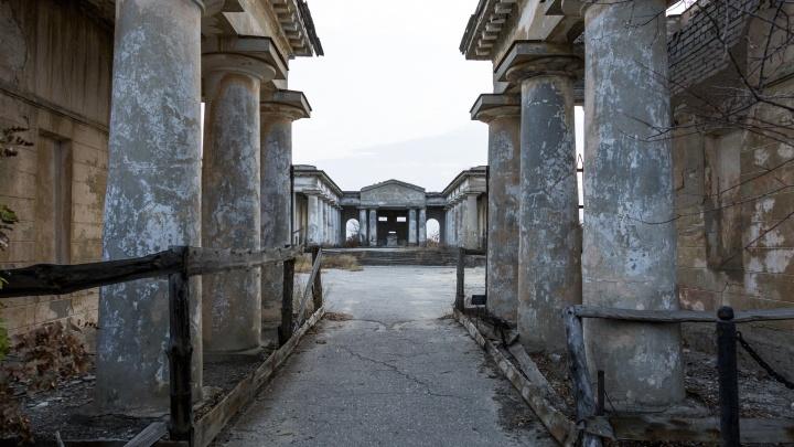 «Это знаковое для России сооружение»: мортуарий в Волжском признали объектом культурного наследия