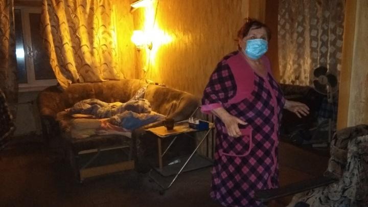 «Сделали рентген и привезли домой умирать»: волгоградские старики вымаливают для себя койки в больницах