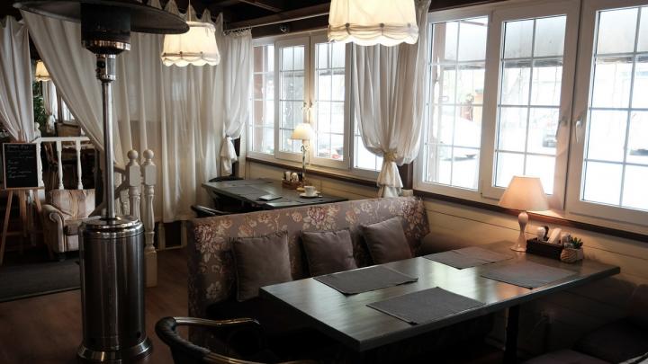 Оперштаб Прикамья разрешил барам и ресторанам работать в обычном режиме